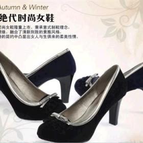 2013年巨环春季新版欧美时尚单鞋 细跟优雅品牌