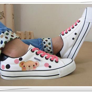 夏季新款甜美手绘卡通女生系带低帮平底帆布鞋