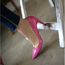 高跟鞋尖头瓢鞋婚鞋粉色简约新娘鞋单鞋