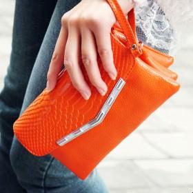 唯诺格 欧美时尚牛皮手拿包包 鳄鱼纹斜跨小包 大容量