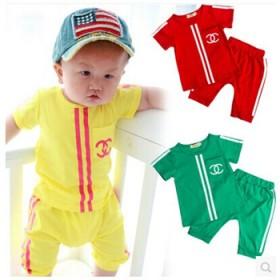 男女童运动套装小孩衣服