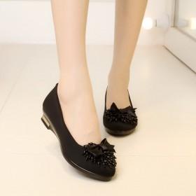 女单鞋品牌老北京布鞋中跟坡跟女鞋串珠蝴蝶结工作鞋