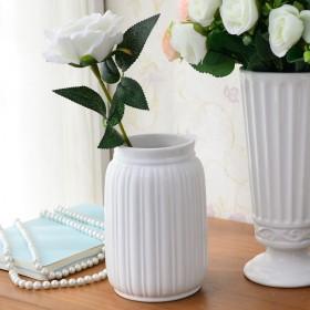 白色小花瓶陶瓷现在简约客厅摆件餐桌创意办公室干花瓶