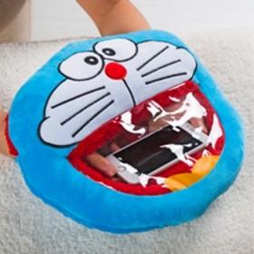 毛绒玩具女生抱枕可放热水袋可视玩手机暖手宝双插手捂