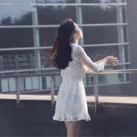 2017春装新款蕾丝长袖连衣裙女中裙v领甜美气质勾