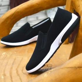 春季黑色布鞋运动底中老年