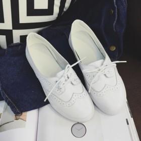 英伦风雕花系带小白鞋浅口真皮平底女学生单鞋轻盈舒适