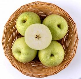 山东烟台王林苹果5斤70-75mm果径新鲜发货新品