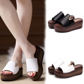 拖鞋女夏室内平跟萌萌可爱韩版中跟学生防滑原宿厚底洗