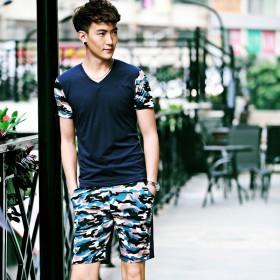 男士休闲运动套装潮迷彩v领T恤男套装短裤两件套