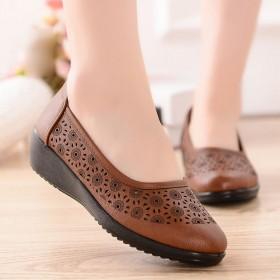 沐奈儿中老年凉鞋夏季镂空透气奶奶鞋洞洞妈妈鞋平跟软