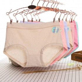 彩棉一片式无痕中码内裤 女士中腰纯棉裆三角裤
