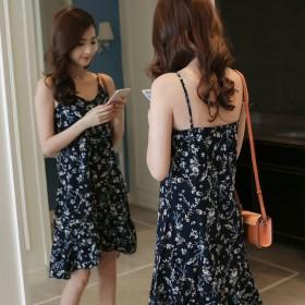 吊带连衣裙女夏季韩版宽松v领小碎花荷叶边雪纺