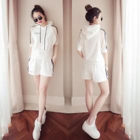 时尚宽松休闲运动套装女韩版连帽上衣短裤大码两件套