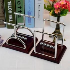 牛顿撞球撞珠物理能量模型平衡球金属工艺礼品创意摆件