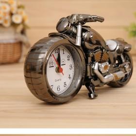创意个性静摩托车闹钟学生卧室床头多功能夜光电子充电