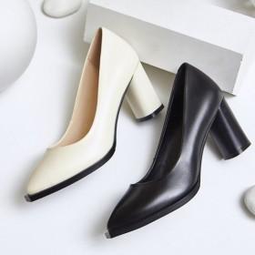真皮气质个性圆形大粗跟尖头米白色单鞋