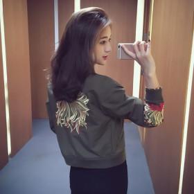 反季秋季韩版女装宽松短款bf上衣刺绣棒球服夹克衫