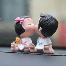 汽车用品摆件车饰车载车内饰品摆件摇头可爱卡通娃娃车