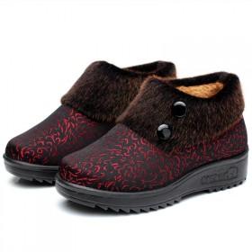 冬季老北京布鞋女鞋妈妈鞋中老年棉鞋软底防滑老人加绒
