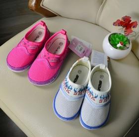 俄罗斯小童网布鞋
