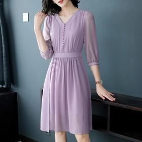 秋季新款韩版时尚V领连衣裙中长款七分袖修身A字裙