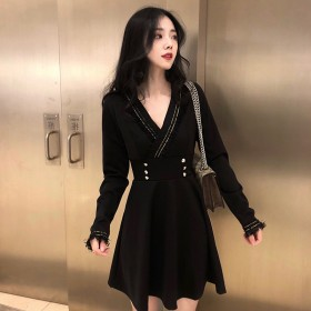 2018秋装女显瘦小黑裙性感V领长袖中长款连衣裙
