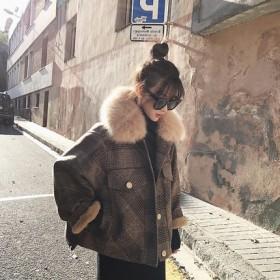 2018年秋冬新品仿狐狸毛大毛领短外套加绒格子毛呢
