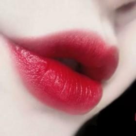 樱桃红口红健康口红