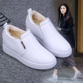 秋冬新款加绒小白鞋韩版休闲女鞋内增高乐福鞋学生鞋