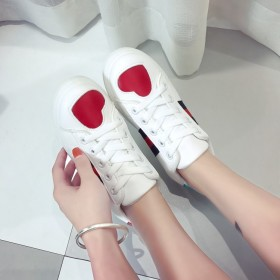 【亏本冲销量】韩版平底chic街拍百搭ins小白鞋