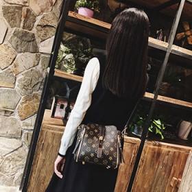 斜挎女包韩版新款冬包包女潮流时尚百搭水桶包