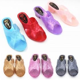 家居坡跟女鞋水晶