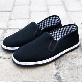 厚底布鞋防滑牢靠