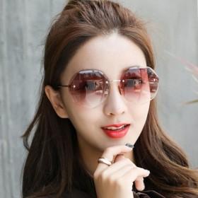 框太阳镜女韩版2019新款切边渐变色墨镜透明海洋片