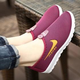 老北京布鞋女鞋中老年防滑运动健步鞋一脚蹬软底舒适休