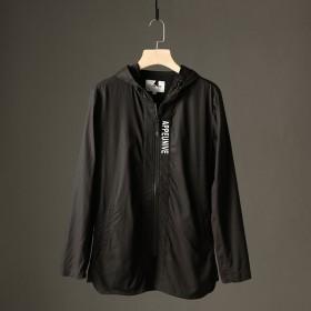 高品质简单的休闲款黑色连帽字母休闲夹克外套外贸原