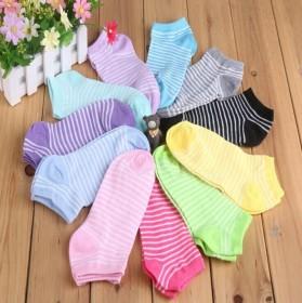 一双装短筒袜子时尚