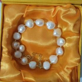 天然淡水珍珠手链 有配送精美礼盒装 假一赔十