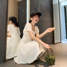 花栗鼠小姐姐呼声敲高的飞飞袖方领后背蝴蝶结连衣裙