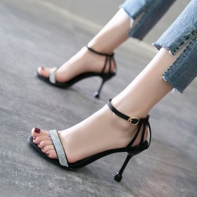 很仙的一字带水钻高跟凉鞋少女森系细跟性感黑色高跟鞋