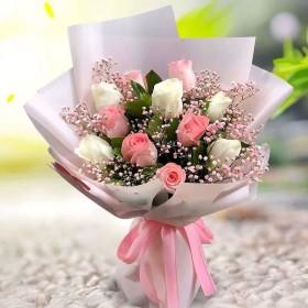 11朵红玫瑰花束