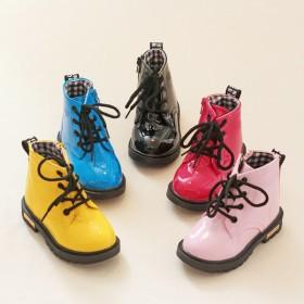 童鞋女童靴子儿童马丁靴短靴秋冬季防水男童雪地靴