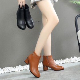 2019新款小跟加绒保暖短靴真皮女靴子粗跟大码女鞋