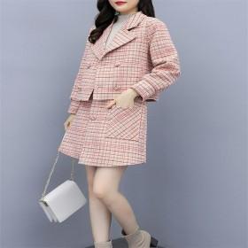 小格子时髦短款秋裙