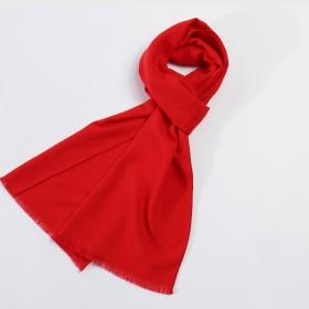 紅色圍巾喜慶節日穿搭