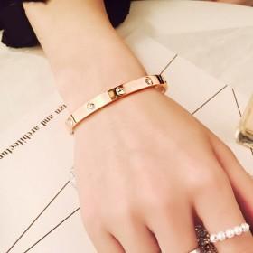 手镯女手链女玫瑰金色镶钻卡扣开口方式个性时尚饰品情