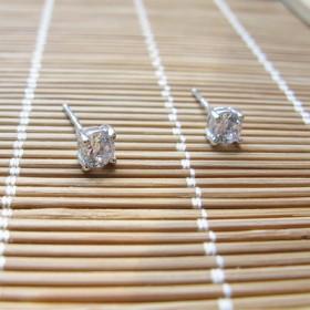 全银通体925纯银镶嵌锆石耳钉(一对价)
