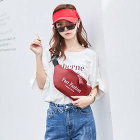 腰包女包2020新款时尚潮丝印个性手机小包胸包单肩
