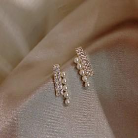 超仙珍珠镶钻耳钉女潮短款小巧精致耳坠气质925银针